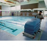 Image of the Tennant 5700 poolside