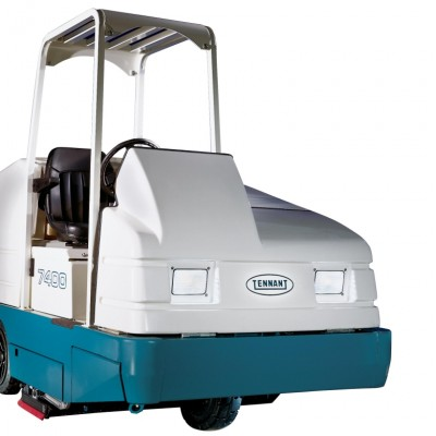 Tennant 7400 Rider Scrubber is offered for rent by Quality Cleaning in Luling, LA